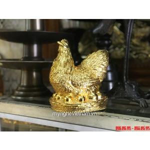 Tượng gà mái đẻ trứng vào cao 16cm bằng đồng mạ vàng