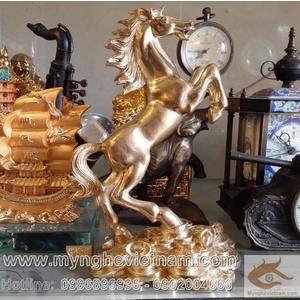 Tượng ngựa phi chân trên tiền cao 20cm