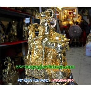 Tượng tam dương khai thái, tượng dê đồng mạ vàng