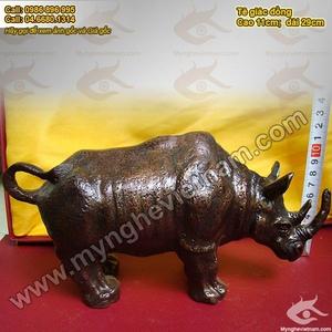 Tượng Tê giác đồng giả cổ