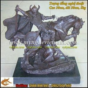 Tượng thần Odin, Tượng cưỡi ngựa chiến,tượng chiến sĩ trung cổ