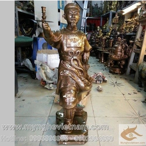 Tượng Trần Hưng Đạo chỉ tay cao 70cm khảm bạc
