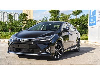 Ưu đãi tới 80 triệu Toyota Altis quyết đấu Elantra và Civic, dọn kho chờ mẫu mới