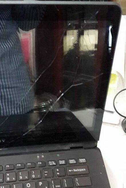 vỡ màn hình cảm ứng laptop
