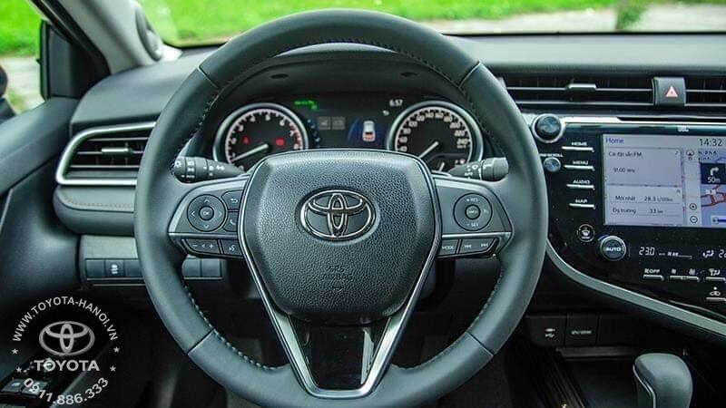 Vô lăng xe Toyota Camry 2.0G 2020