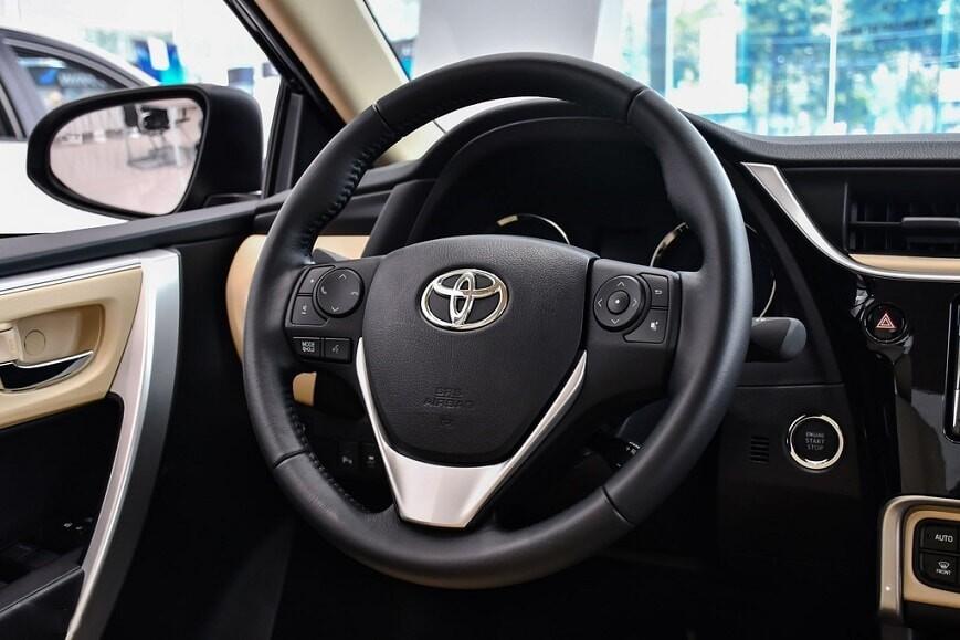 Vô lăng xe Toyota Corolla Altis bản 1.8E CVT