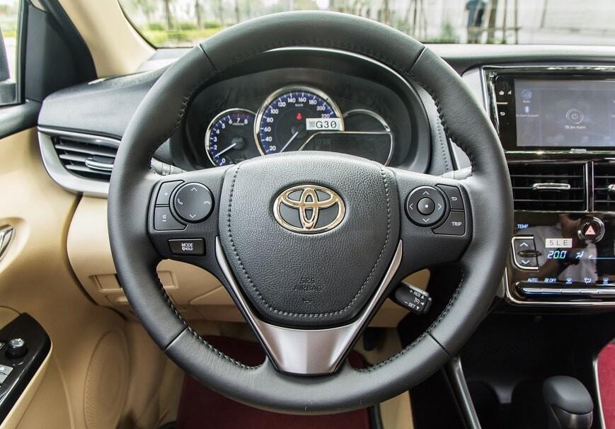 Vô lăng xe Toyota Vios bản G cao cấp