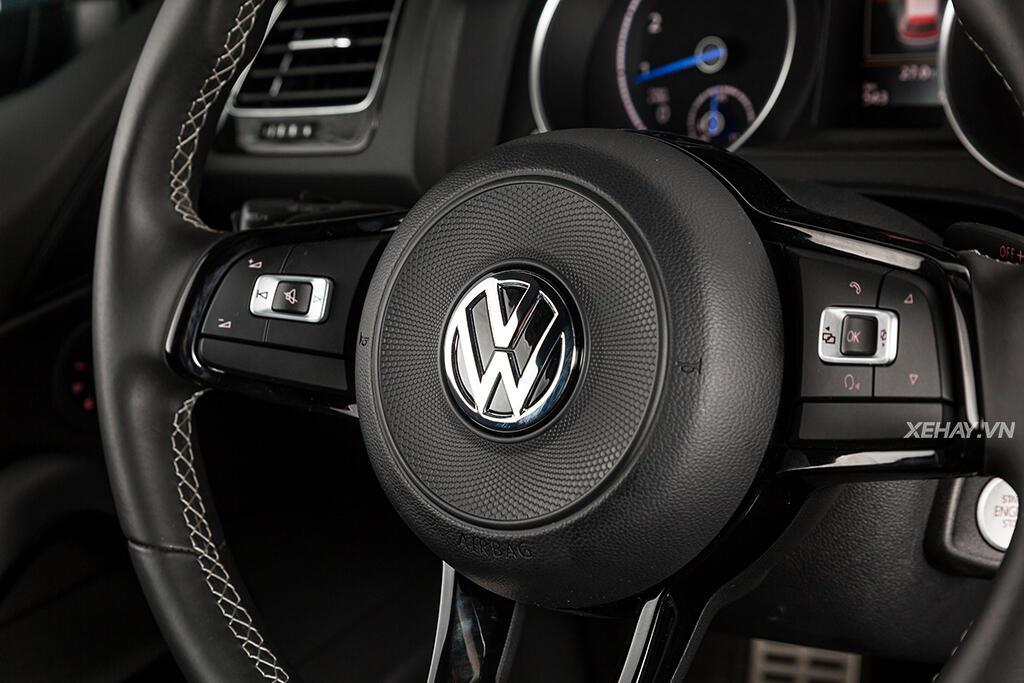 Volkswagen Scirocco R 2.0L - Hình 15