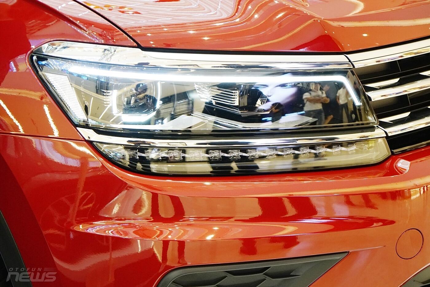 Volkswagen Tiguan Allspace 2.0L - Hình 7