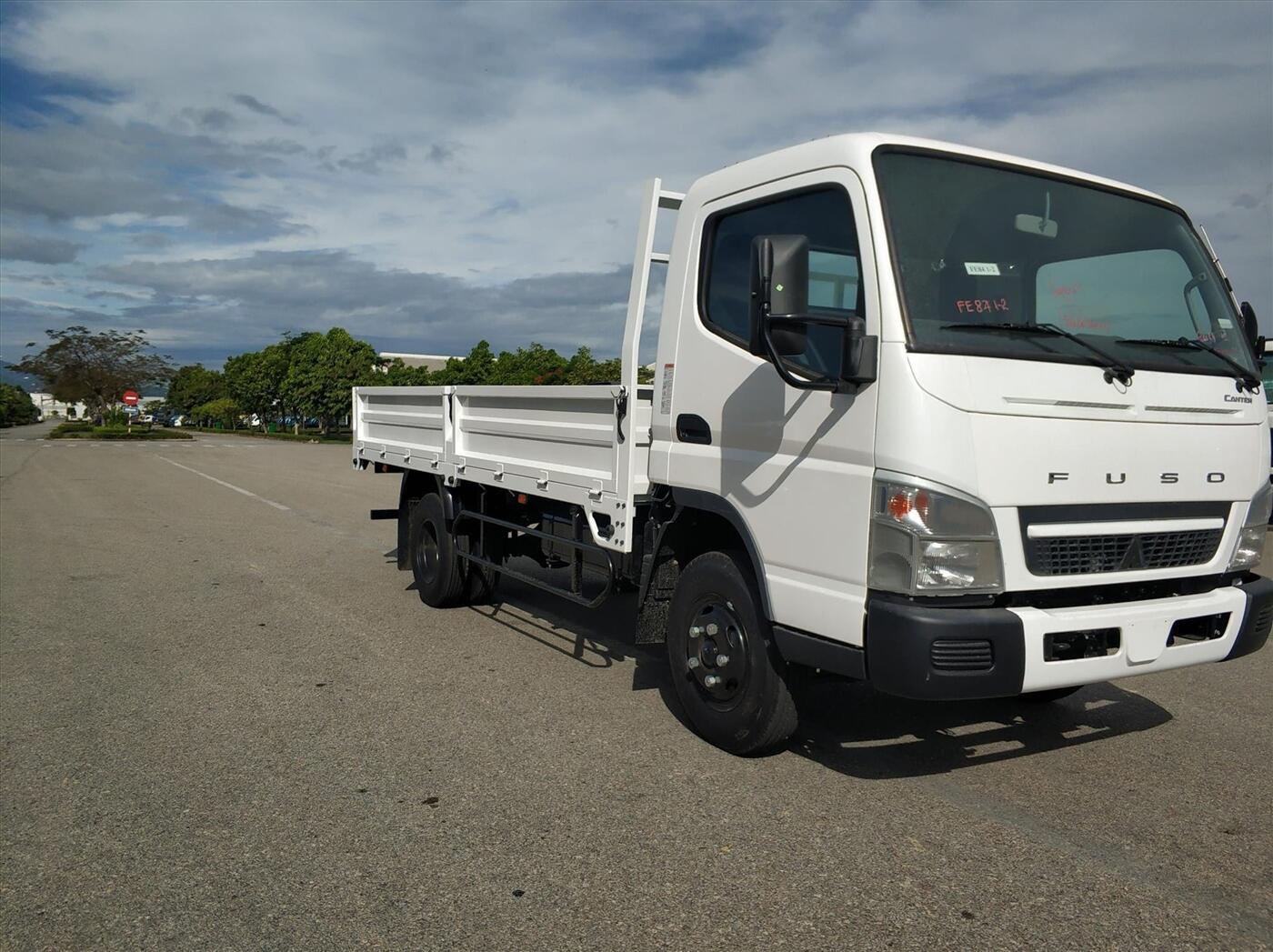 Xe tải Fuso Canter 4,99 - Thùng lửng - Tải 1,9 tấn / 2,3 tấn