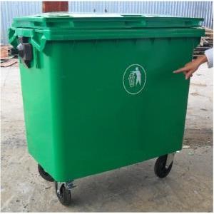 Xe gom đẩy rác 660L HDPE