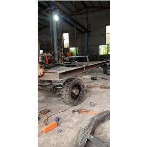 Sản xuất xe kéo hàng trong nhà máy, khu công nghiệp