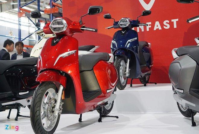 VinFast Klara sẽ có giá 21 và 35 triệu đồng cho 2 phiên bản dùng ắc quy axit-chì và pin Lithium-ion lô đầu tiên.