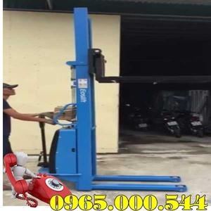 Xe nâng bán tự động 1.5 tấn 2.5m Eoslift nhập khẩu giá rẻ nhất