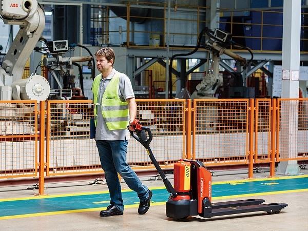 Xe nâng điện thấp PTE15N chất lượng cao