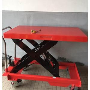 Xe nâng mặt bàn PTD1000 có 2 bơm thủy lực