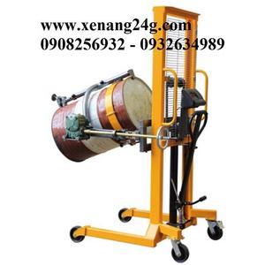 XE nâng quay đổ phuy gắn cân 450kg TB450S