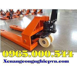 Xe nâng tay 5 tấn(5000 kg) nhập khẩu giá rẻ tận gốc.