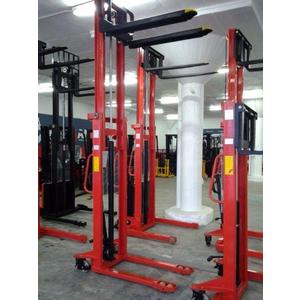 XE nâng tay cao HS2025 2 tấn 2000kg cao 2.5 mét