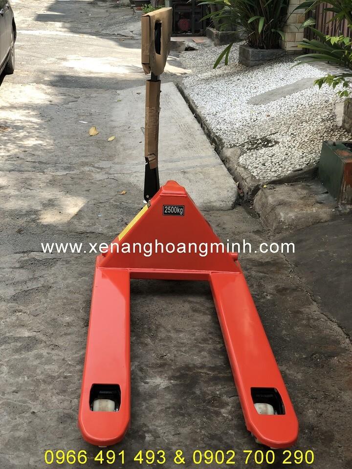 Xe nâng tay 2500kg giá rẻ- Phụ tùng xe nâng Hoàng Minh