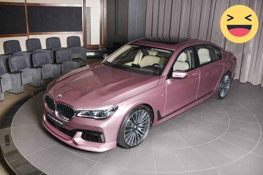 Xe ô tô phong thủy màu hồng hợp với mệnh thổ