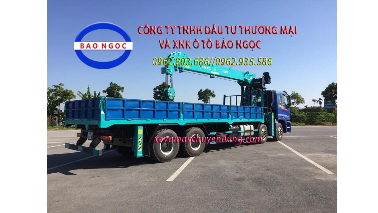 Xe tải 4 chân gắn cẩu 12 tấn HKTC