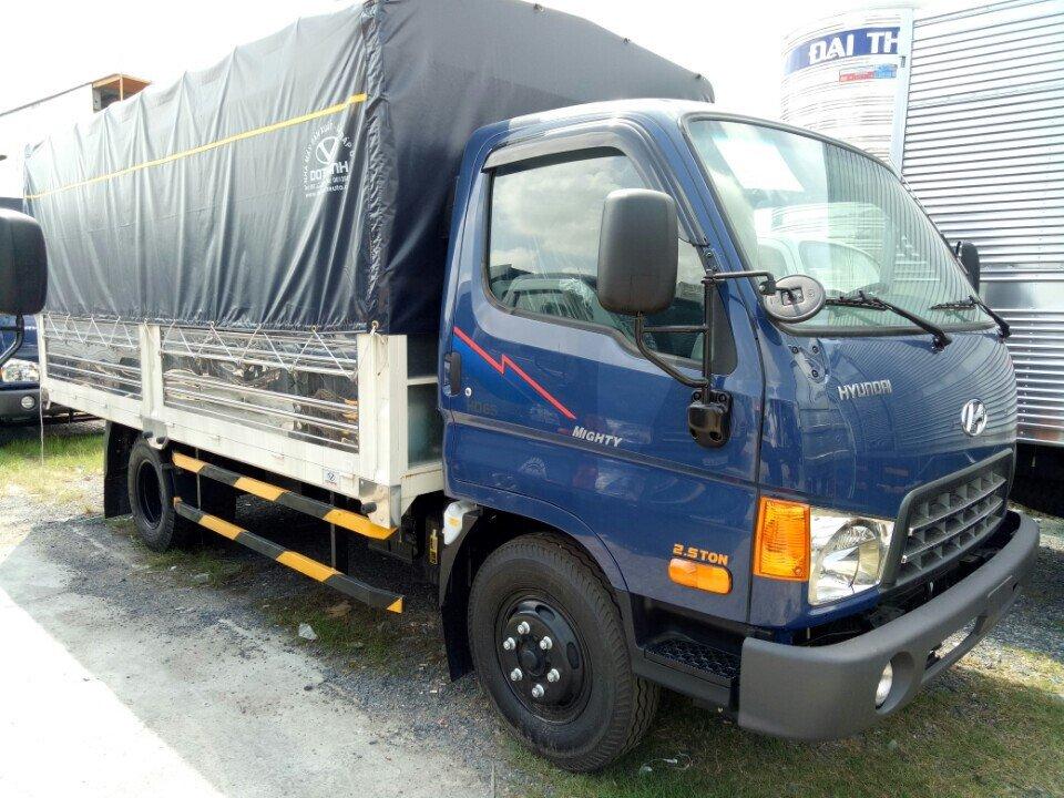 Xe Tải Hyundai HD99 6,5 Tấn Thùng Mui Bạt