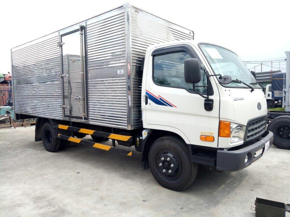 Xe Tải Hyundai HD99 6,5 Tấn Thùng Kín