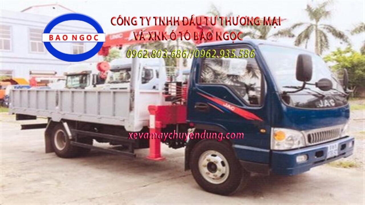 Xe tải jac 5 tấn gắn cẩu unic 3 tấn 4 đoạn URV374