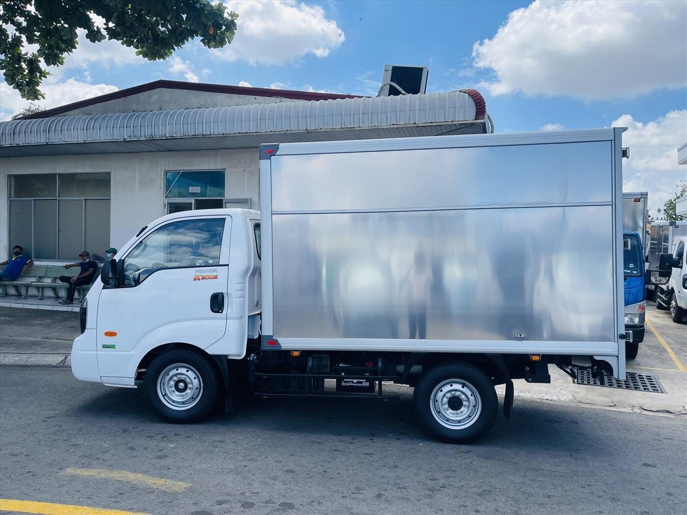 Xe tải KIA K200S 2WD - Thùng kín - Tải trọng 1,49 tấn