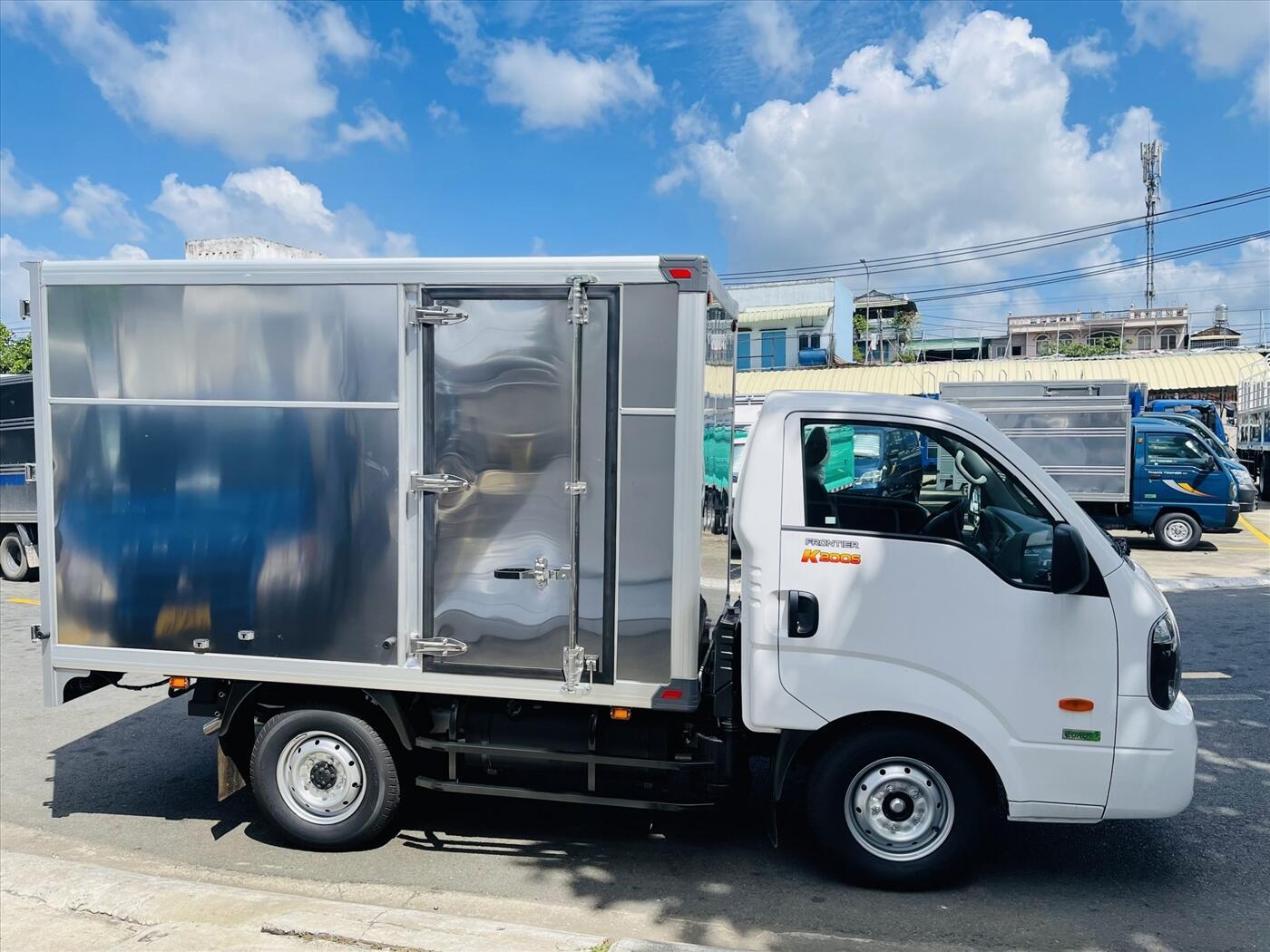 Xe tải KIA K200S 4WD - Thùng kín - Tải trọng 1,49 tấn