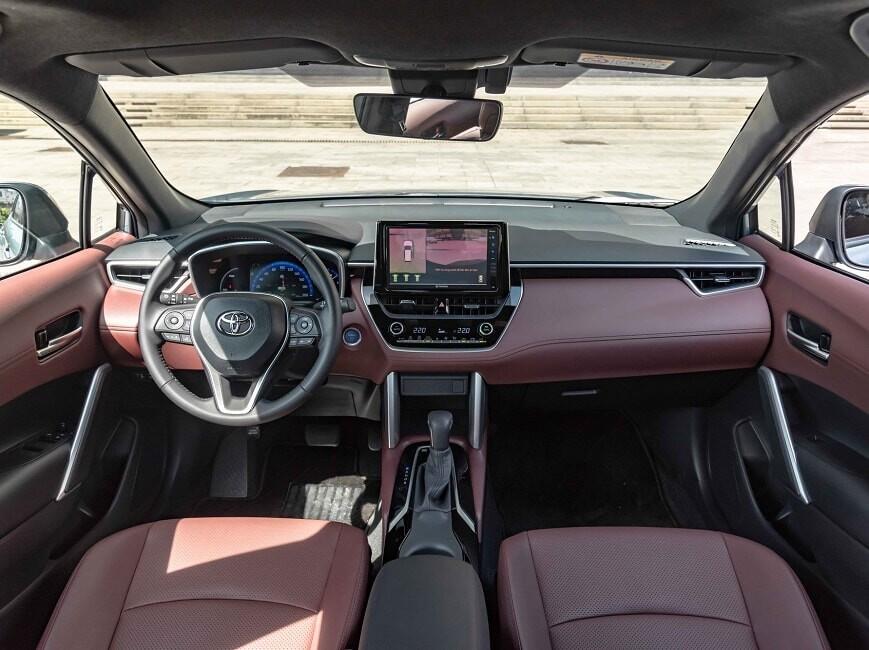 Nội thất xe Toyota Corolla Cross 1.8HV bản Hybrid
