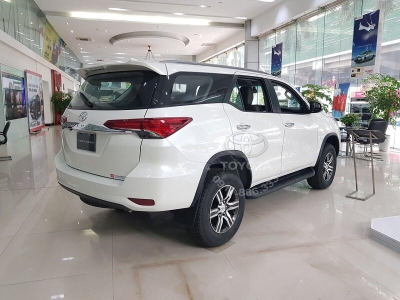 Xe Toyota Fortuner 2020 máy dầu một cầu số tự động 2.4 AT
