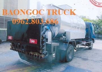 Xe tưới nhựa đường 5 m3 thaco 700c