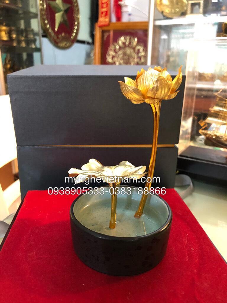 Lọ hoa sen để bàn mạ vàng 24k,quà tặng cao cấp