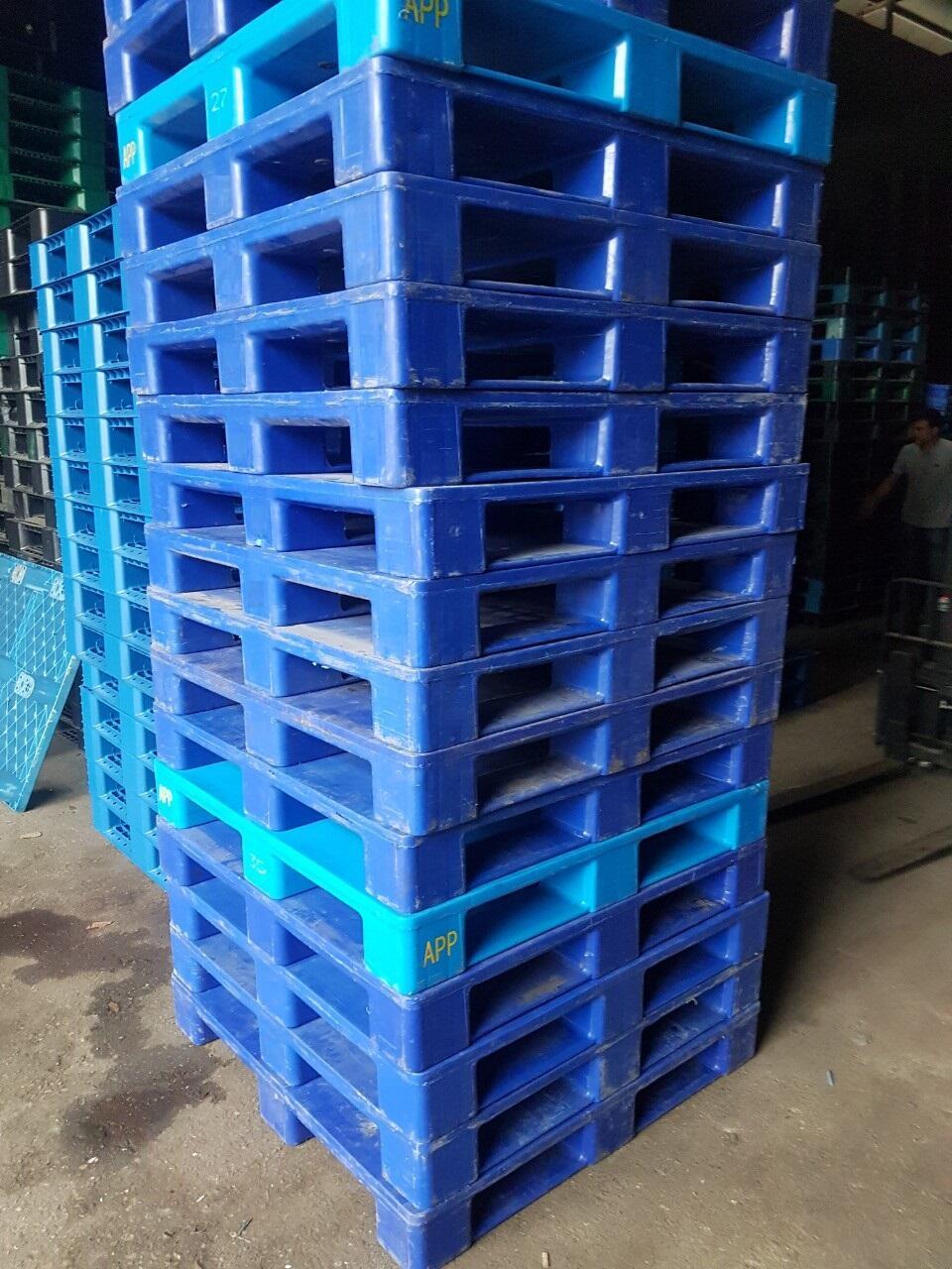 Pallet nhựa PL16-LK kích thước 1100x1100x150mm