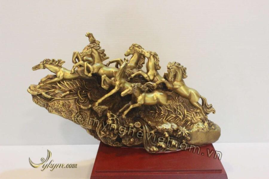 Tượng bát mã bằng đồng vàng 30cm